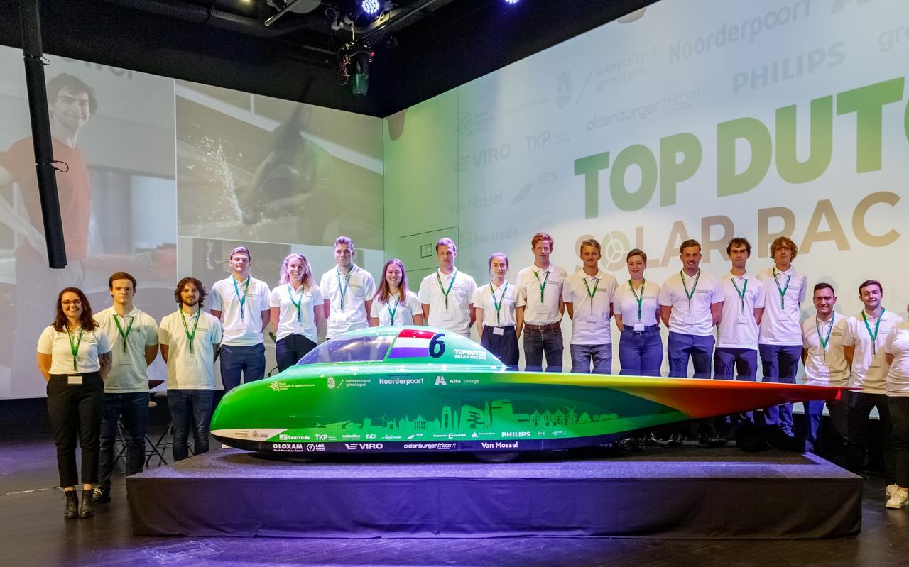Top Dutch Solar Racing met zijn nieuwe zonneauto Green Spirit.