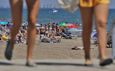 Spanje hoopt vanaf juli op buitenlandse vakantiegangers. De Spaanse premier: 'Toeristen, we verwachten jullie'