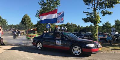 Carbage Run vertrekt uit Emmen. FOTO DVHN