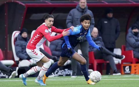 Het zand tussen de raderen van FC Emmen heeft de potentie om tot olie te worden gesmeed: 'Maar met Sergio Peña aan de rechterkant win je geen oorlog'