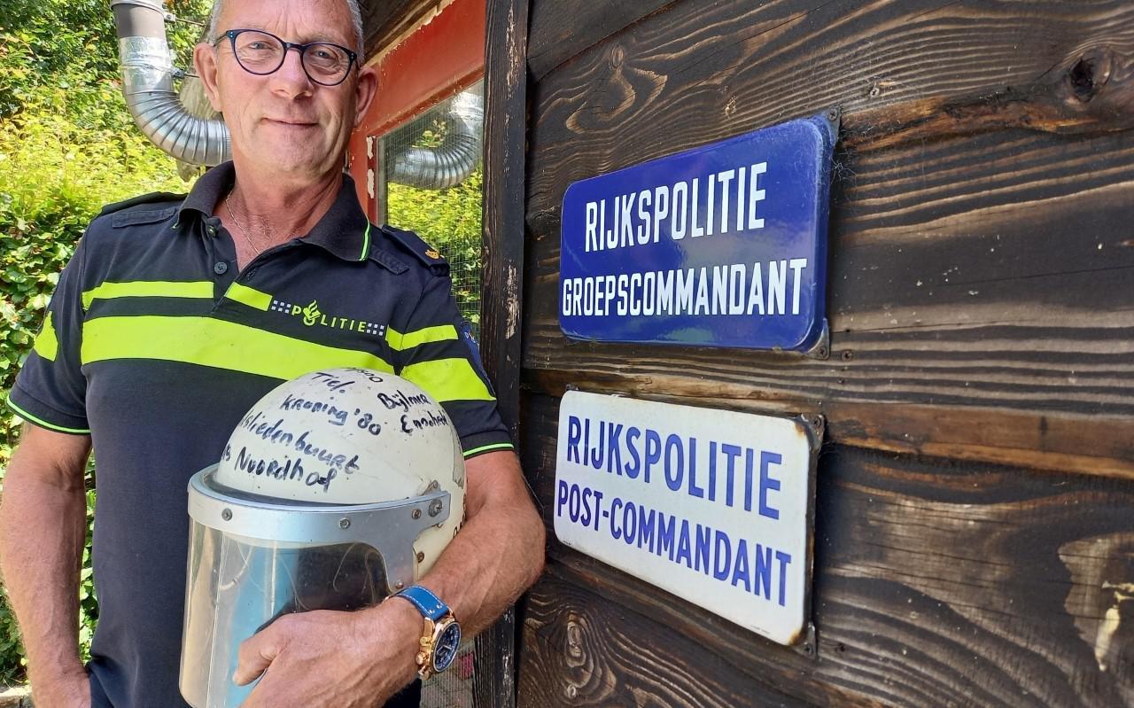 Henk Habing (66) uit Zuidbroek is zondag een halve eeuw bij de politie.