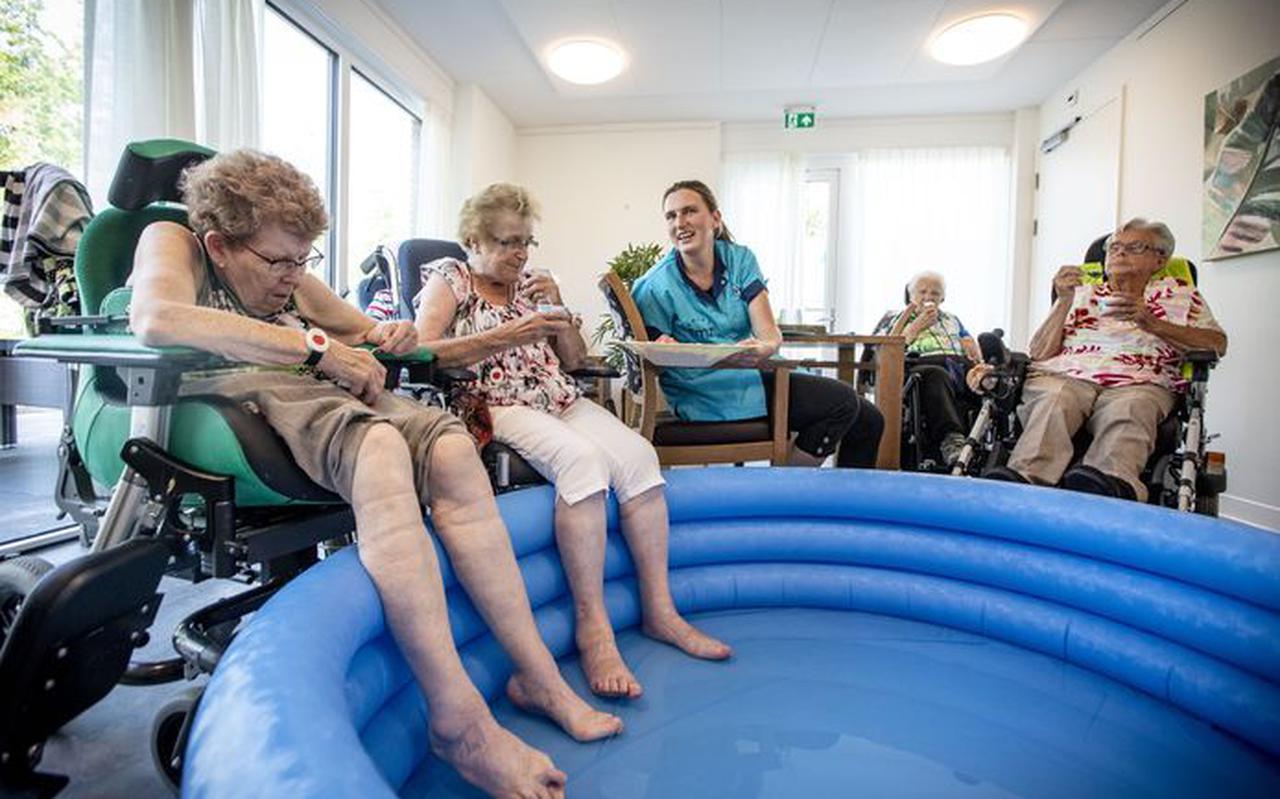 Ouderen tijdens een hittegolf in een verpleeghuis.