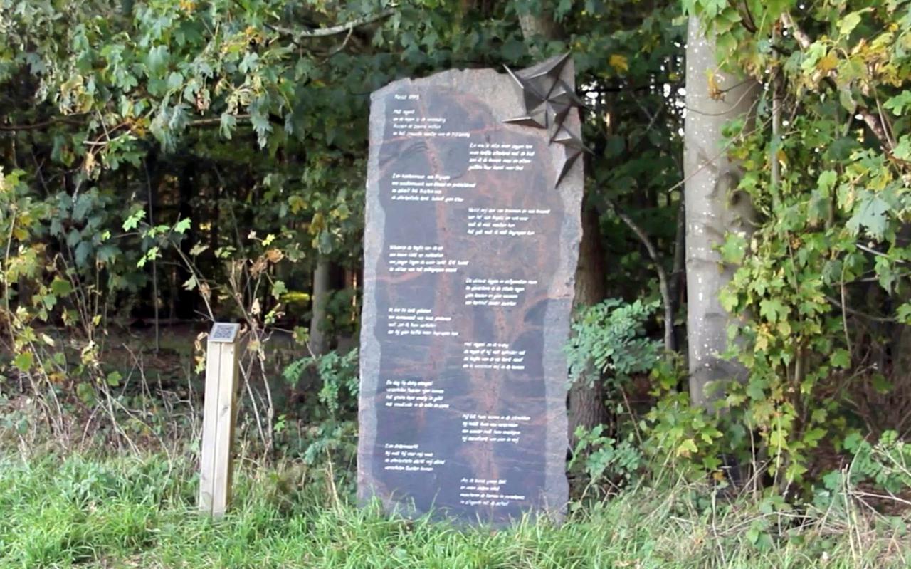 Het Vredesgedicht van Jannie Boerema in de bossen bij Peest.