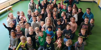 Leerlingen van basisschool De Oleander in Stadskanaal. Foto OPRON