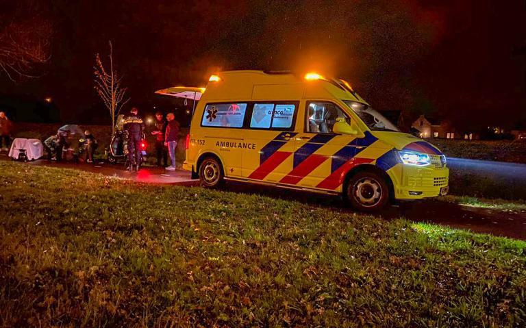Twee wandelaars gewond door botsing met scooterrijder in Hoogeveen