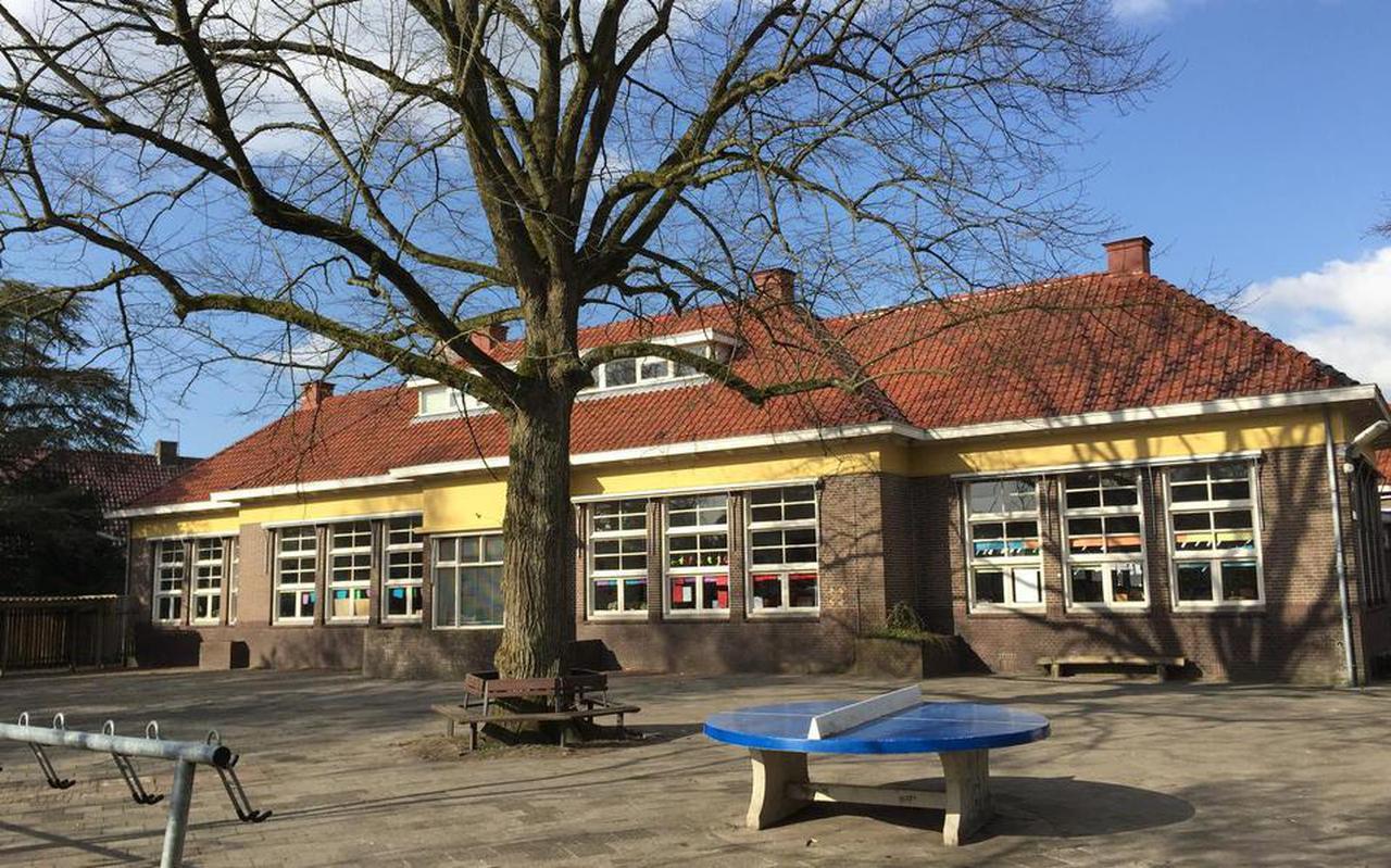De voormalige Centrumschool in Eelde waar enkele groepen van de Mariaschool en De Veenvlinder worden ondergebracht.
