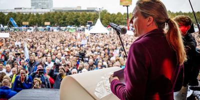 Minister Schouten op het malieveld tijdens het landelijk boerenprotest in oktober.