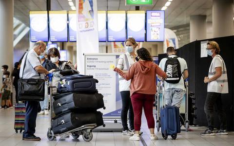 Kabinet geeft negatief reisadvies voor de kerstvakantie om verspreiding corona tegen te gaan