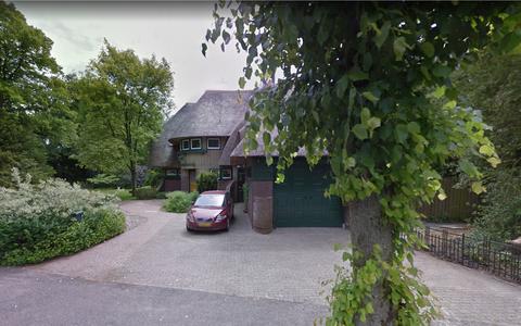 Dit is villa Lindenhof. Het oude woonhuis van schrijver W.F. Hermans in Haren staat te koop op Funda voor anderhalf miljoen euro