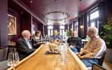 Voor deze Amerikaanse en Engelsman is het thuiskomen in Assen: hun voorouders bouwden 't Wapen van Drenthe