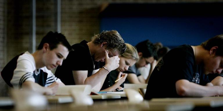 Scholieren tijdens een examen. FOTO: ANP/Rick Nederstigt