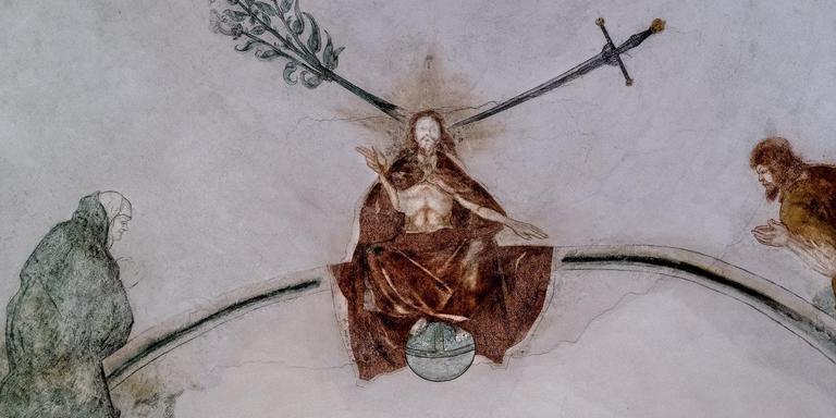Scheuren in het plafond van de kerk van Middelstum. Foto Archief Jan Zeeman
