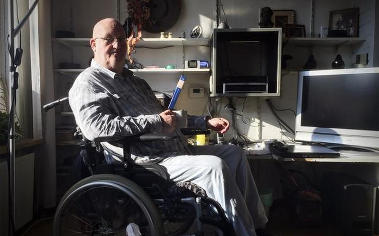 Henk Brink uit Hoogezand ergert zich aan de manier waarop de regels rond het pgb zijn gewijzigd. FOTO DVHN