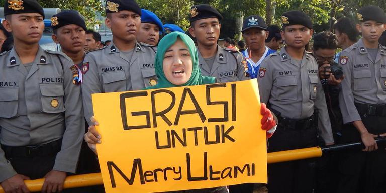 'Grasi untuk' is Indonesisch voor 'gratie voor'