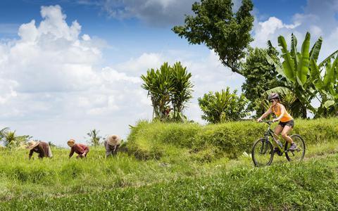 Wie fietst op Bali belandt op plekken waar een auto nooit zal komen