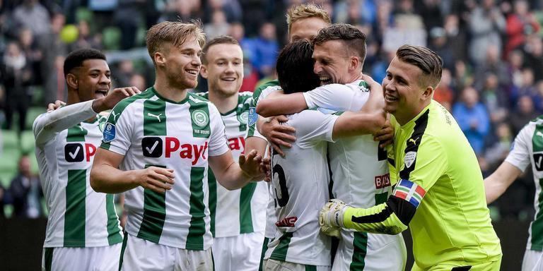 Sergio Padt (rechts) en Juninho Bacuna (links) hebben FC Groningen te kennen gegeven dat ze voorlopig bedenktijd nemen voor de aanbieding die de club hen heeft gedaan. Foto ANP