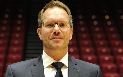 Donar: schors dan coach Erik Braal