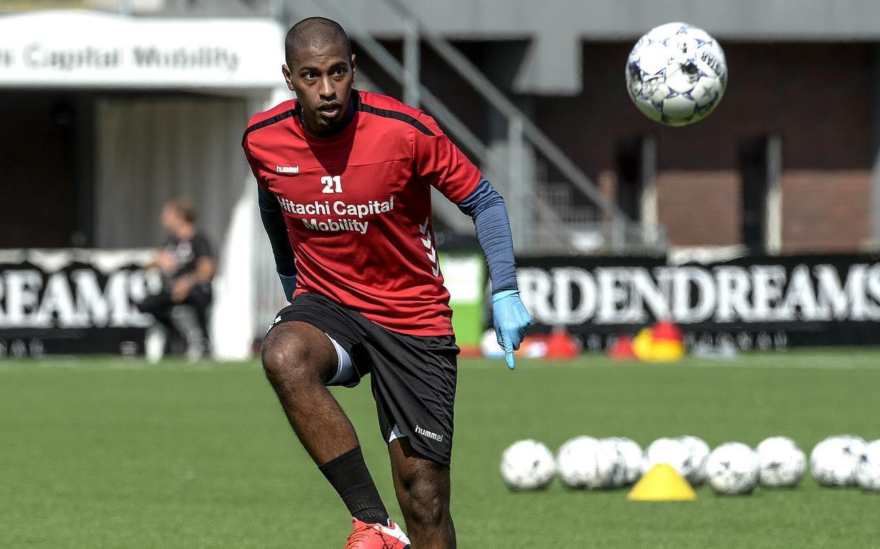FC Emmen-speler Miguel Araujo tijdens een training.