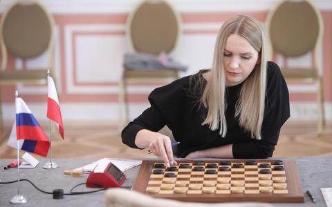 Hoogeveen-damcrack Natalia Sadowska grijpt in haar geboorteland Polen naast haar derde wereldtitel