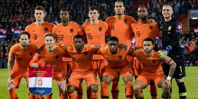 Nederland (hier voorafgaand aan de wedstrijd tegen Wit-Rusland) is licht favoriet in het duel tegen Duitsland. De kwalificatiewedstrijd begint zondagavond op 20.45 uur. Foto: Archief ANP