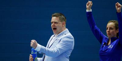 Lycurgus-coach Arjan Taaij kan weer juichen. Foto ANP