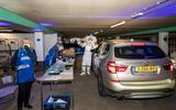 Supporters van Donar halen seizoenkaart in speciale Drive-thru, maar Europese duels in eigen huis zijn ver weg