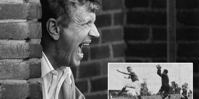 Dick Bosschieter in 1985 als trainer van Haren. Inzet: Feyenoord-doelman Eddy Pieters Graafland (m) is Dick Bosschieter (l) de baas in diens debuutwedstrijd voor GVAV in augustus 1963. Hans Kraay sr. kijkt toe. Foto's: archief DvhN