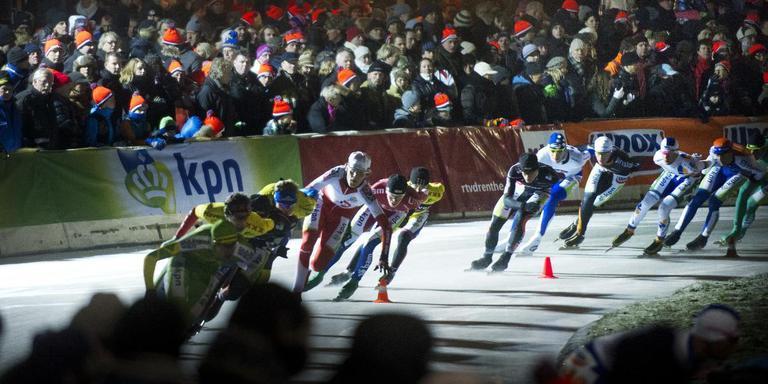 De eerste marathon op natuurijs in Noordlaren in 2013. Foto Corné Sparidaens