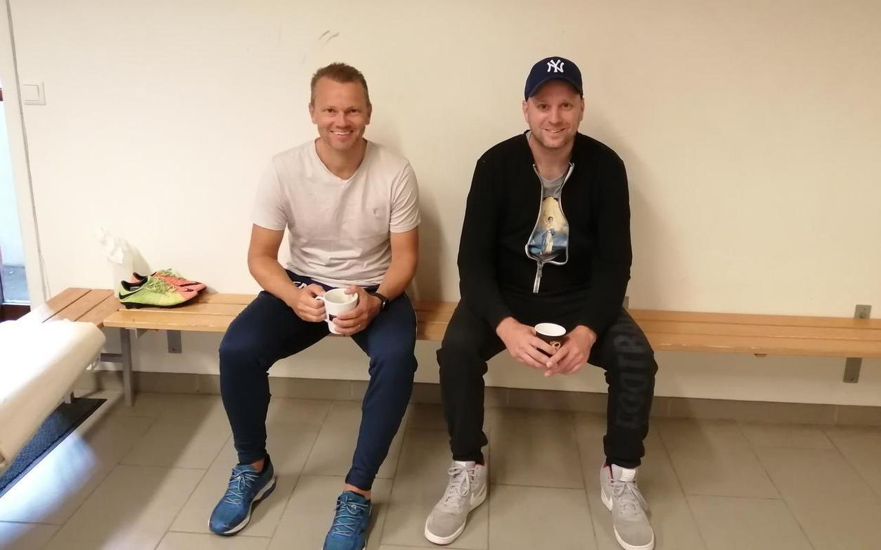 Erik Nevland (links) met FC Groningen-fan en schrijver Ferdi Delies.