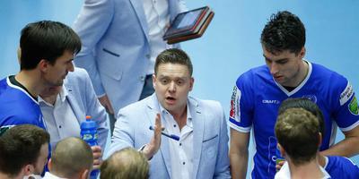Lycurgus-coach Arjan Taaij met zijn mannen. Foto ANP
