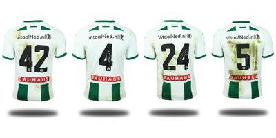 Een deel van de FC Groningen shirts die geveild worden. Vlnr: Zeefuik, Te Wierik, Handwerker en Memisevic. Foto's: Matchwornshirt.com