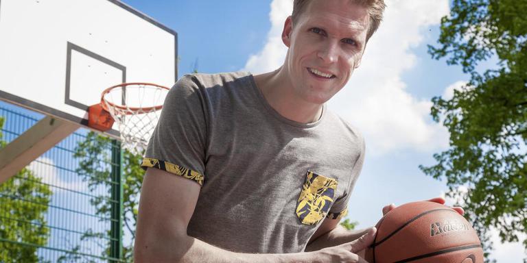 Rein van der Kamp stopt met basketballen. De Meppeler wil graag afscheid nemen met het kampioenschap in de promotiedivisie. foto gerrit boer