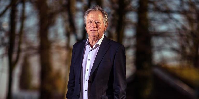 Klaas Oosterhof (76), juwelier, voormalig SC Heerenveen-voetballer en ex-sportsponsor. ,,Zakendoen zat in me.'' Foto: Niels de Vries