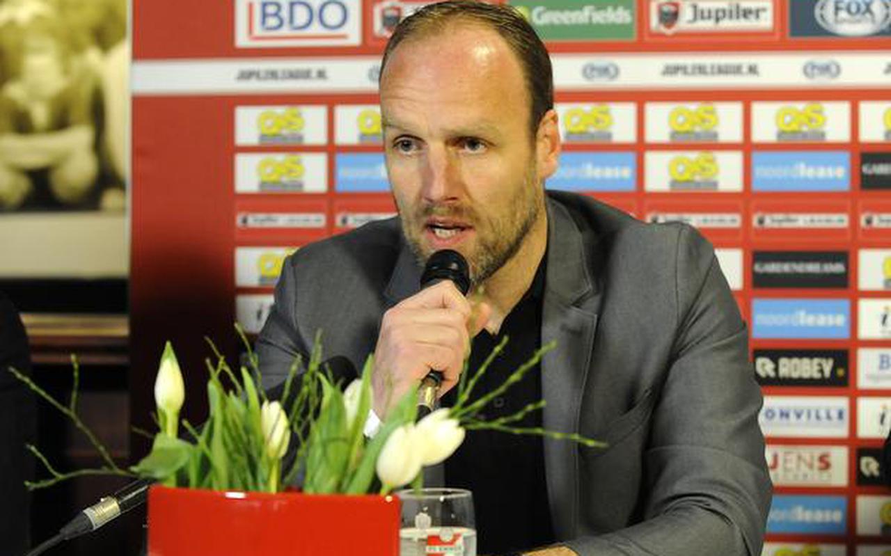 Dick Lukkien tijdens zijn presentatie bij FC Emmen: ,,Ik wil bij FC Groningen op een goede manier afsluiten.''