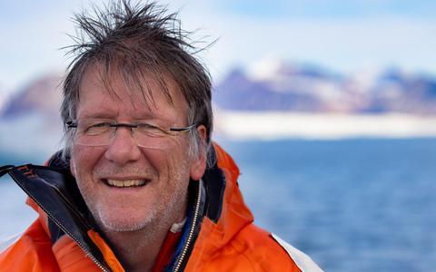 Poolwetenschapper Maarten Loonen doet te midden van smeltende gletsjers onderzoek naar de brandganzen en noordse sterns op Spitsbergen: ,,Dit jaar is extreem.''