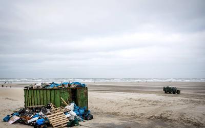 Milieuorganisaties gaan 800.000 kilo afval uit de Noordzee en Waddenzee halen.